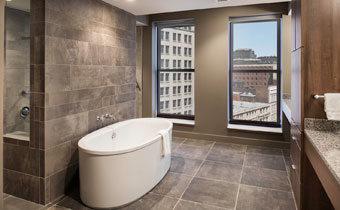 Three Bedroom Penthouse Apartment suite bathroom
